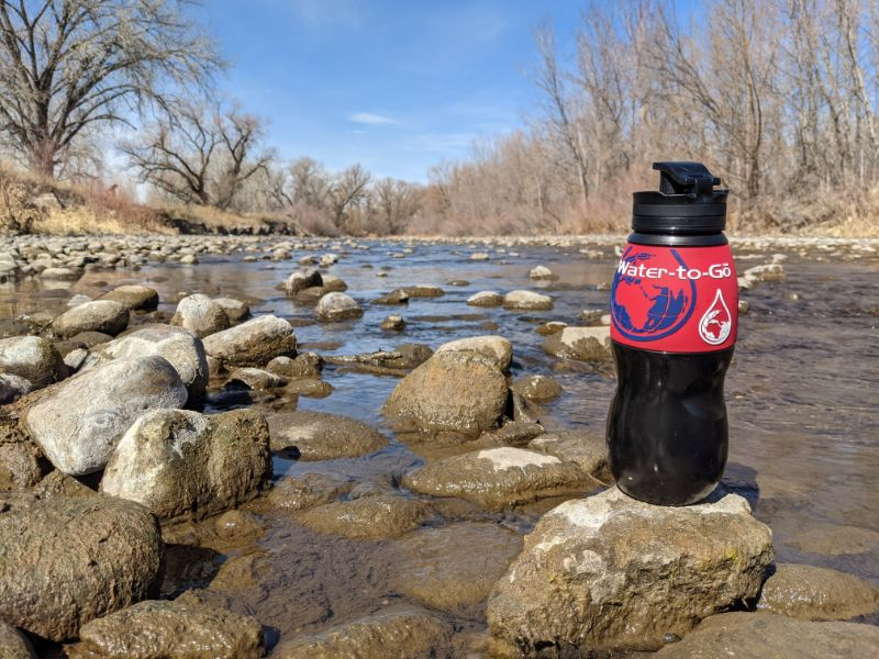 water to go 26oz filtered water bottle