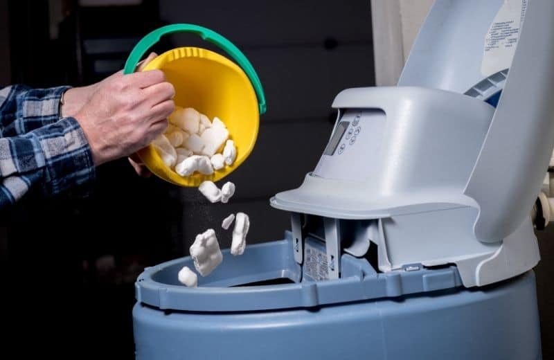 how much salt to put in water softener