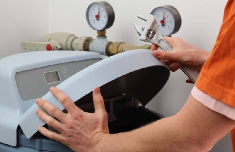 how to diagnose a water softener stuck in regeneration